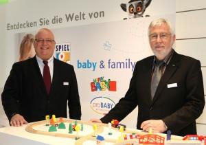 SPIEL+SPASS-Geschäftsführer Martin Böckling und baby & family-Geschäftsführer Heinz-Werner Mangelmann ziehen ein positives Fazit ihres Messeauftrittes