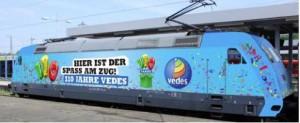 Die Vedes-Lok fährt 2014 auf den Schienen durch Europa