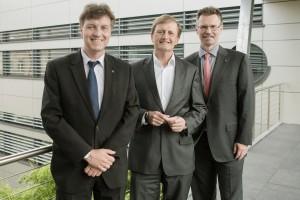 Rainer Wiedmann (links) und Dr. Thomas Märtz (rechts) mit dem Referenten des Nachmittags Prof. Dr. Arnold Weissman